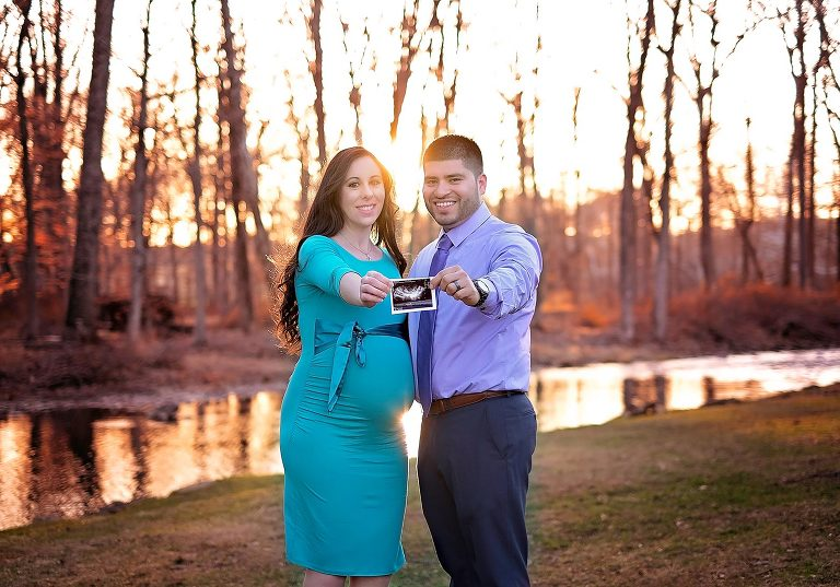 Gorgeous sunset maternity in a beautiful park