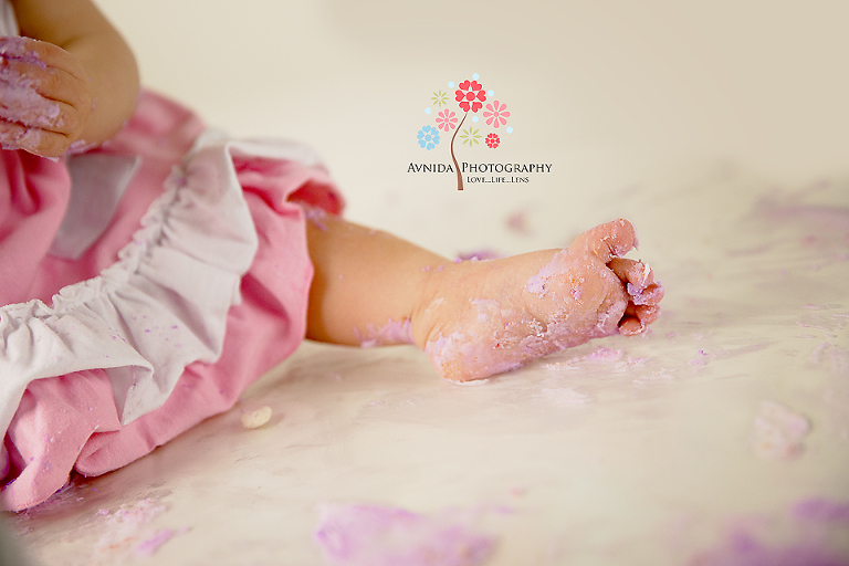cake smash photography bridgewater nj coco's foot covered in cake by www.avnidaphotography.com
