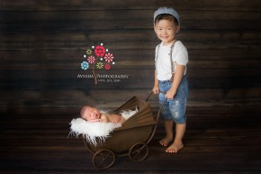 Chester Newborn Photography Mendham New Jersey with brother