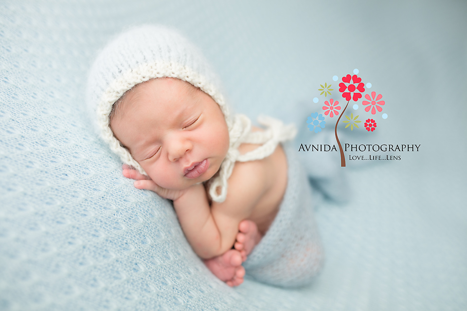 New Jersey Newborn Photographer - Ahhh, that perfect blue and white combination, love it every time - beautiful Newborn Photography by Avnida Photography, the best of all newborn photographers in NJ