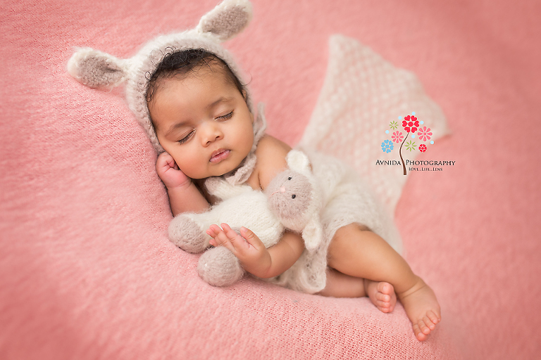 Newborn photography linden nj this is a heavenly baby newborn photography of a baby at 4 weeks tough newborn photography at 8 weeks tougher