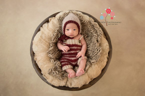 Newborn Photography Bound Brook NJ - Love the texture of the background in this photograph