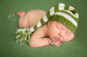Newborn Photography Randolph NJ - This is how we go green, with style and panache - don't you love the contrast between the colors - best newborn photography NJ by Avnida Photography