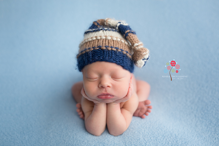 Newborn photography hillsborough nj the beauty of colors like white and blue they mix