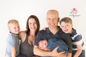 Newborn Photographer Dover NJ - This is an awesome family photograph with Baby Eddy - Seriously an amazing family - how often do you find a family where everyone gives the perfect smile together, at the same time