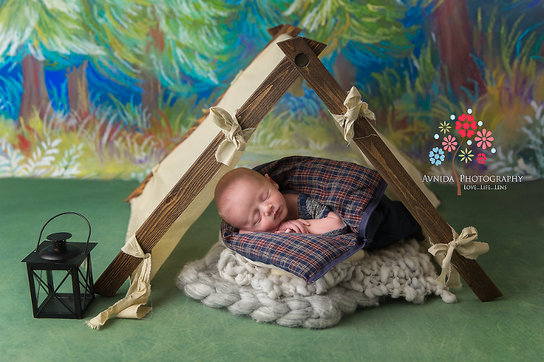 Basking Ridge Newborn Photography NJ - A close up of the tent and the blanket in which the handsome prince sleeps - the tent is really cool