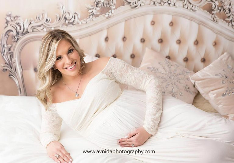 A grand maternity photograph and nothing less for this beautiful mom to be - by Avnida Photography, NJ's best maternity photographer