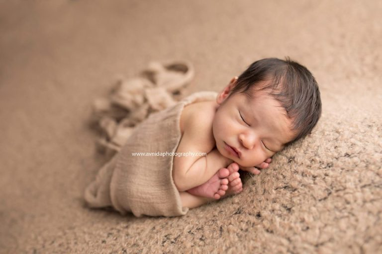 Newborn photographer northern nj who said a monochrome newborn photograph cannot look good you