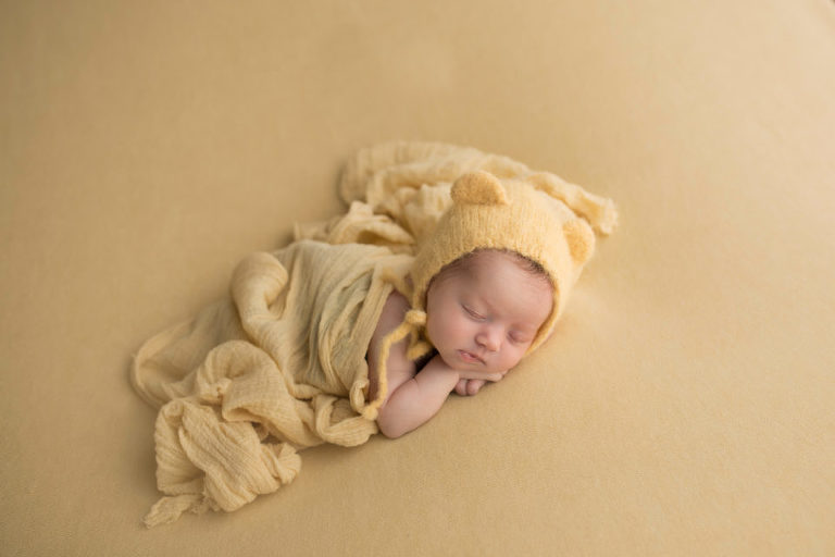 Newborn photography cherry hill nj the perfect colors the perfect shot